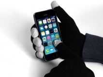 Why Promotional Smart Phone Gloves are an Ideal Winter Gift