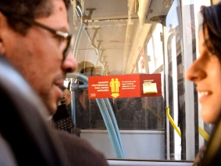 Promotional Stickers Feed New Friendships on Buses in Brazil #CleverPromoGifts