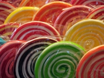 Which Branded Sweets Are Best for Your Reception Desk?